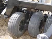 Standard equipment walking tandems on 4700 drills